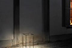 17-lampe-à-poser-sol-Ipnos-FLOS-382x382