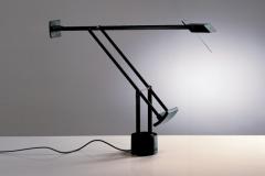 68-artemide-lampe-à-poser-table-Tizio-679x382