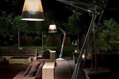 40-lampe-à-poser-sol-extérieur-SuperArchimoon-Outdoor-FLOS-382x382