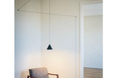 32-PLAFONNIER-suspension-STRING-LIGHT-tête-conique-flos-382x382